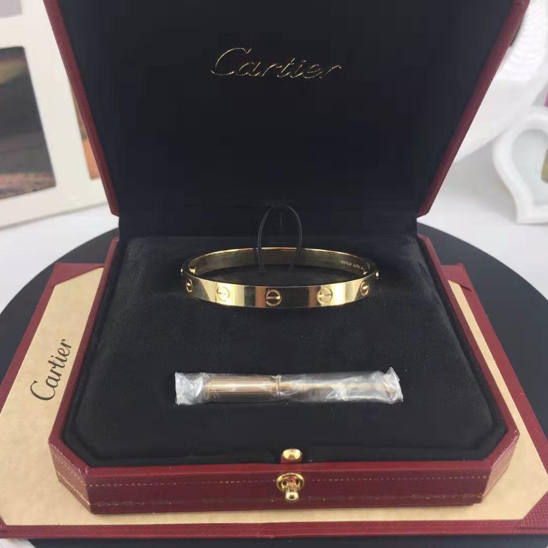 Replica Cartier love bracelet solid gold