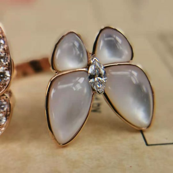 Fake Two Butterfly Between the Finger ring